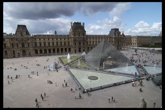 Louvre by cpt-smith