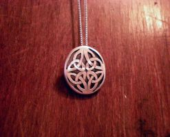 celtic pendant-brooch by Aranglinn