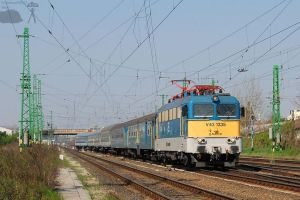V43 1335 with passenger train by morpheus880223