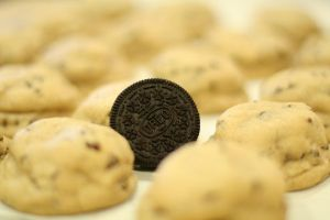 Oreo stuffed chocolate chip cookies by Deadpool7100