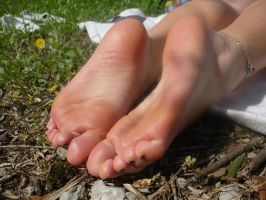 Kia's Soft Soles in the Nature by SelfshotYourFeet