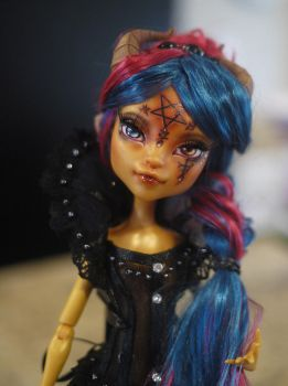 Monster High OOAK Repaint Faceup Gilda Goldstag by Candy-Janney