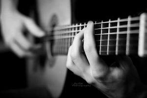 Guitar hands by CromarK
