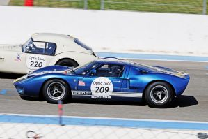 GT 40 passing by guillaumes2
