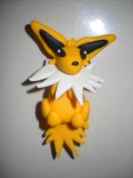 Jolteon magnet by Nefeli92