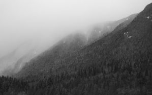 Misty Mountains 2 by esoup13