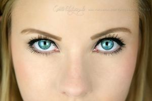 Turquoise eyes by Estelle-Photographie