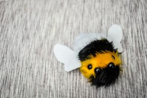 Mutant Bumble Bee by FlutStop