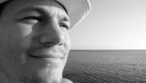 Portrait at sea view by estel28