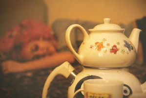 tea party II by gozdeoney