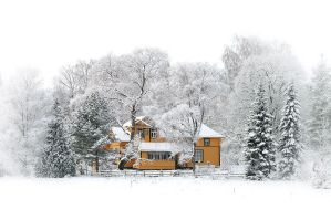 A yellow house by eswendel