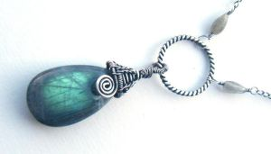 labradorite drop necklace by annie-jewelry