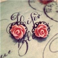 Victorian Filigree Roses by MegamiMoon