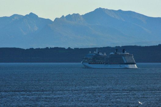 Celebrity Silhouette by Dr-Koesters