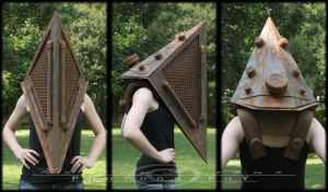 Pyramid Head Final Helm by kyphoscoliosis
