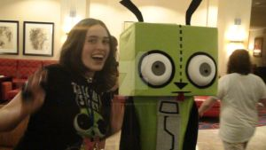 InvaderCon - Gir Costume 2 by haloflooder