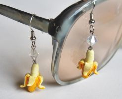 Banana Earrings by Madizzo