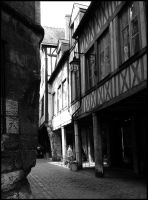 In the streets of Rouen by Ilmatarja