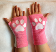 Candi Kitty Arm Warmers : Paws Up by PakajunaTufty