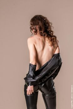 She takes off a latex catsuit by pnlabs