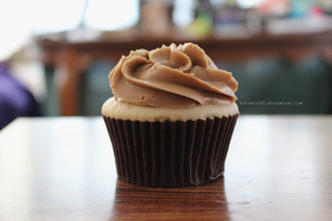 Root Beer Float Cupcake by softmist93
