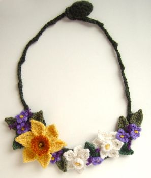 Spring Daffodil necklace 2 by meekssandygirl