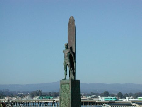 Santa Cruz Surf Statue by stilgar