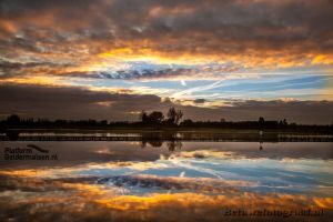 Monday Morning Mirror by Betuwefotograaf
