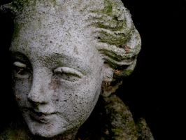 Statue by DislocatedDay
