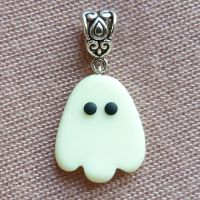 Scary ghost! by amalie2