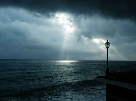 Ray of sun by HorrorPassion